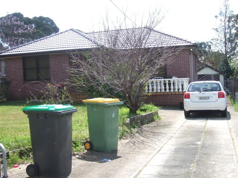 30 Yungaburra St, Villawood