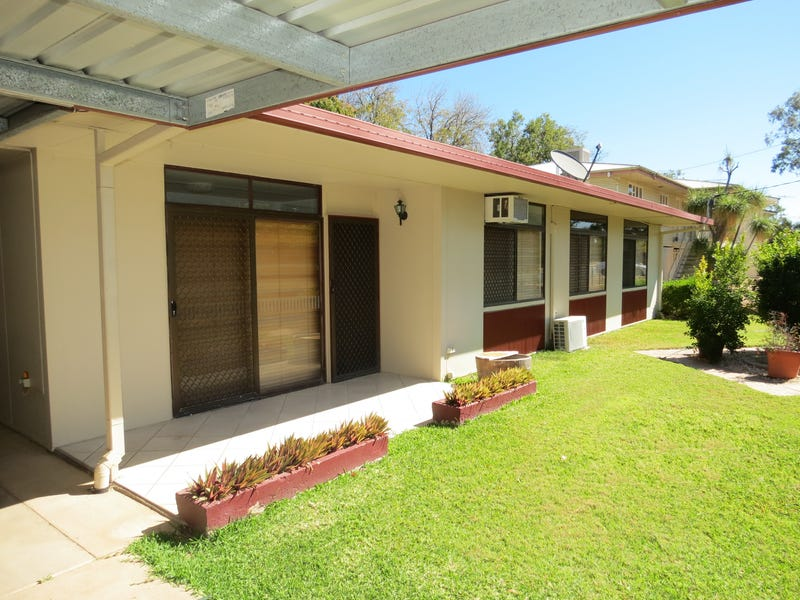 10 Racecourse Road, Emerald, Qld 4720