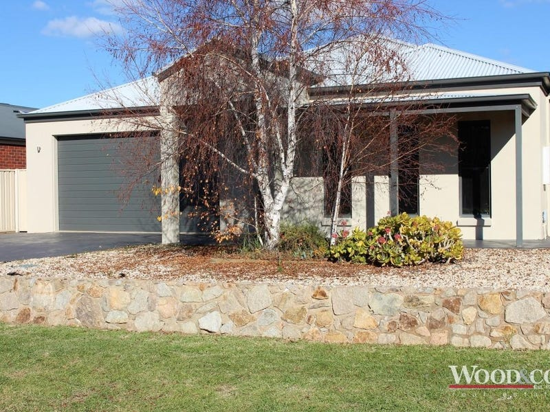 4 Moonah Court, Swan Hill