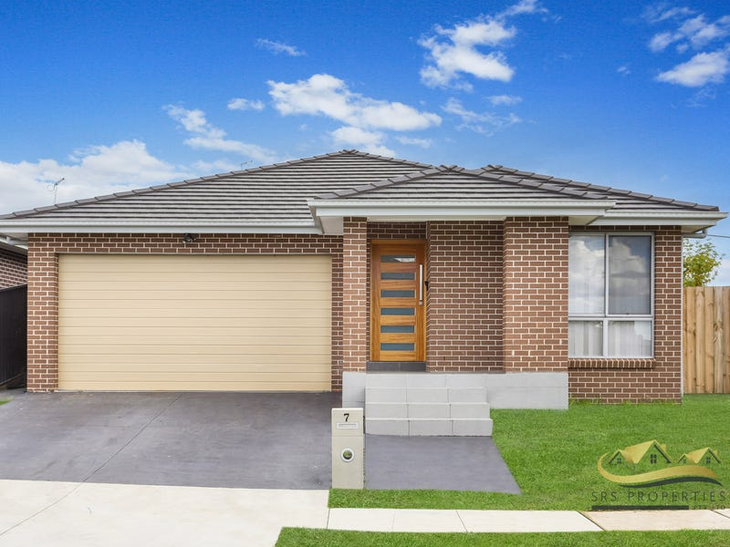 7  Glover Street, Claymore, NSW 2559