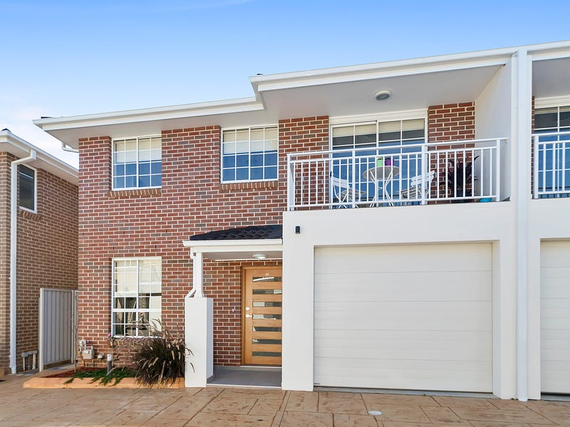 2/10 Old Glenfield Road, Casula, NSW 2170