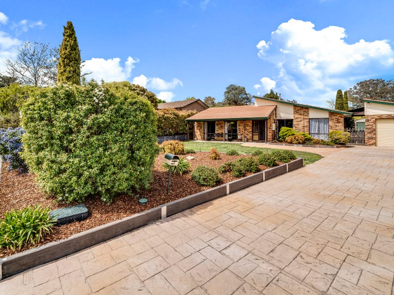 4 Crommelin Place, Chisholm, ACT 2905