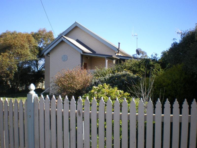 90 TARALGA ROAD, Goulburn, NSW 2580