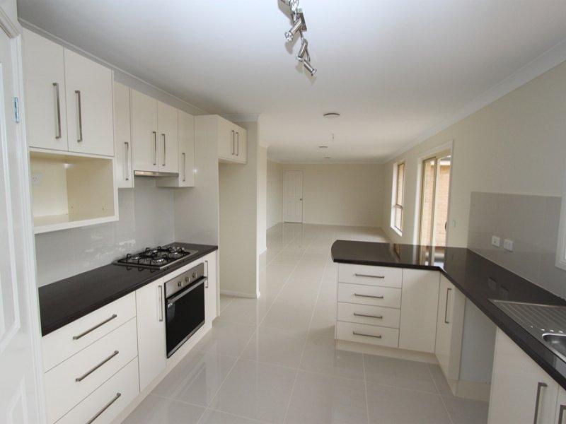 45 Westbourne Drive, Bathurst, NSW 2795