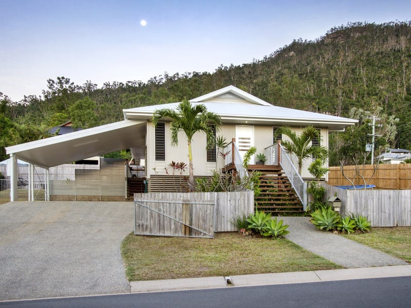 77 Country Road, Cannonvale, Qld 4802
