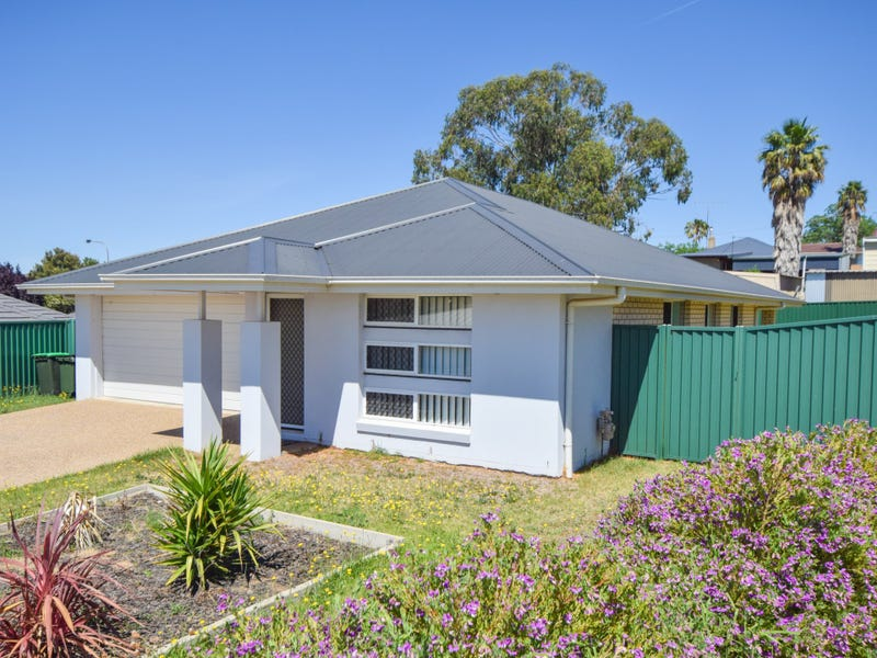 6 Molloy Place, Young, NSW 2594