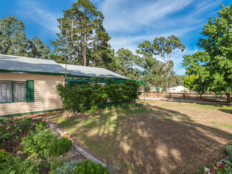 54 Specimen Gully Road, Barkers Creek, Vic 3451