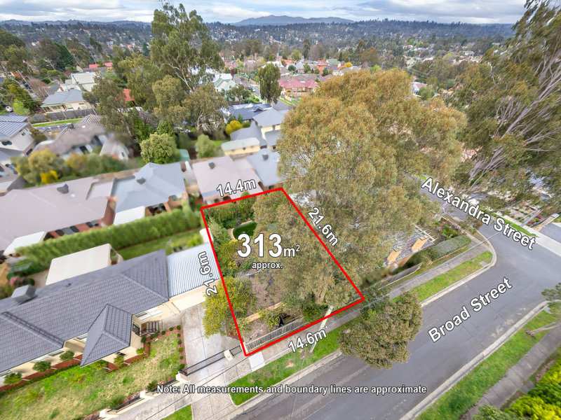 4 Broad Street, Greensborough, Vic 3088