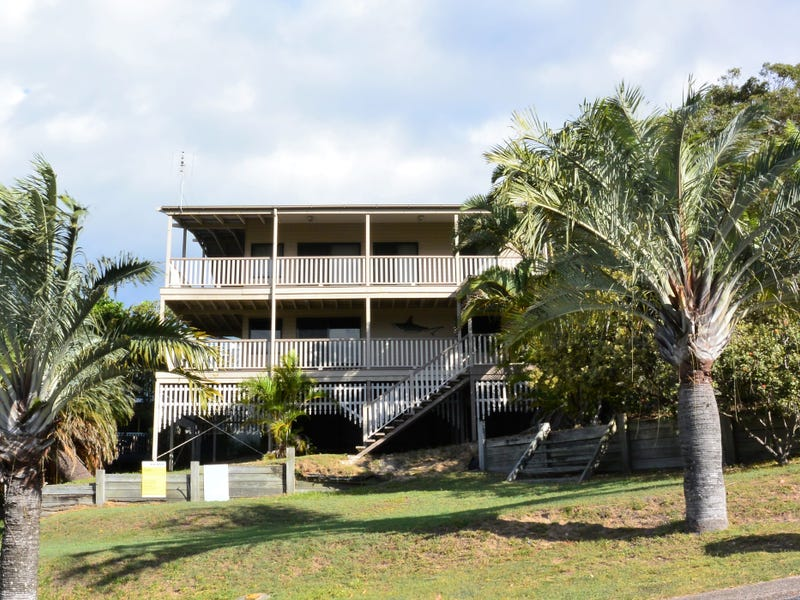 44 Cumming Parade, Point Lookout, Qld 4183