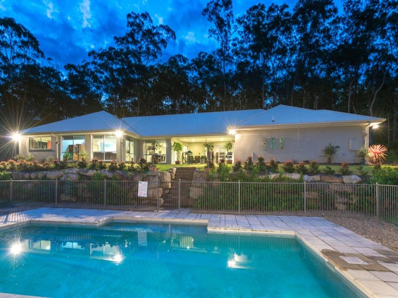20 Parkwood Place, Anstead, Qld 4070