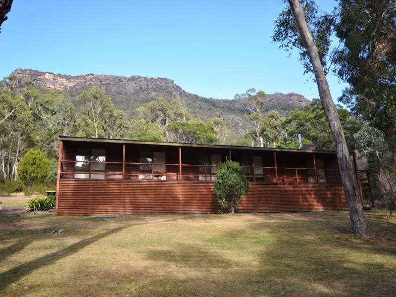 12-14 Royston Road, Halls Gap, Vic 3381