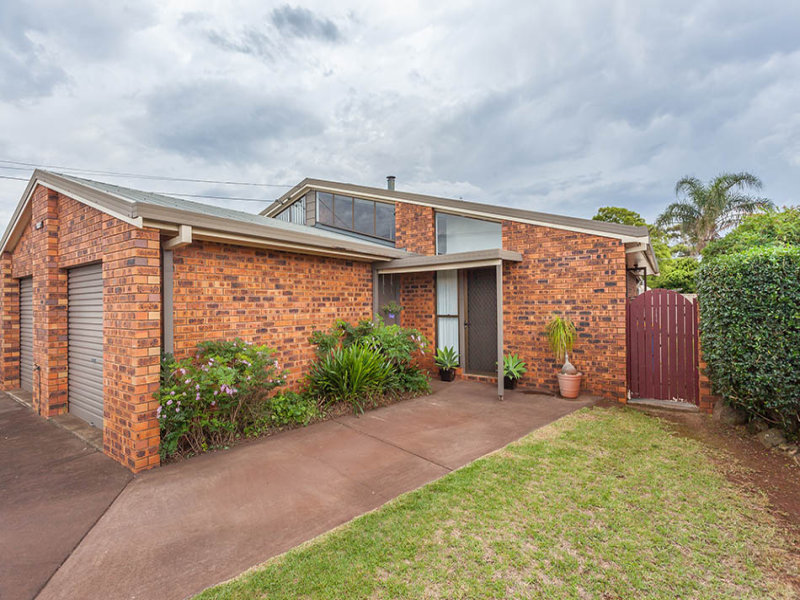 2/3 Rachel Street, Darling Heights, Qld 4350