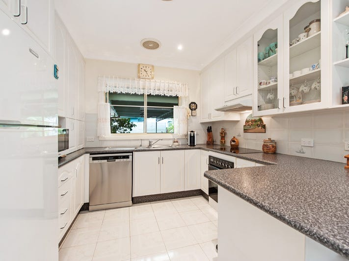 11 Sagittarius Way, Narrawallee, NSW 2539