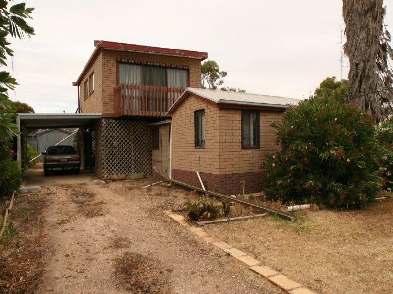 8 Moontana Avenue, Moonta Bay, SA 5558