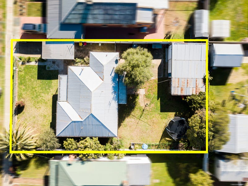 17 Moore Street, Rochester, Vic 3561