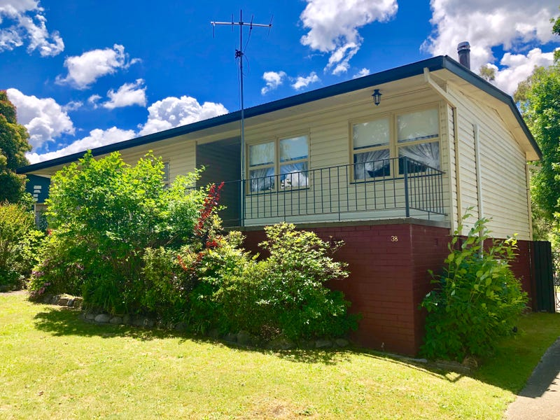 38 Whitehead Street, Khancoban, NSW 2642