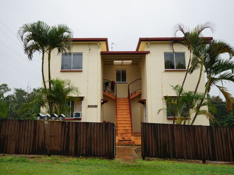 Unit 1/2 Thurles, Tully, Qld 4854
