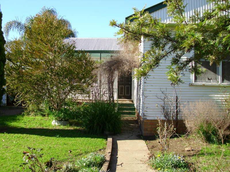 214 Dubbo Street, Warren, NSW 2824