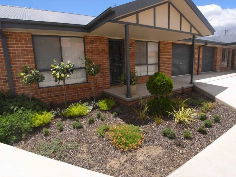 Unit 2,30 West Street, Gundagai, NSW 2722
