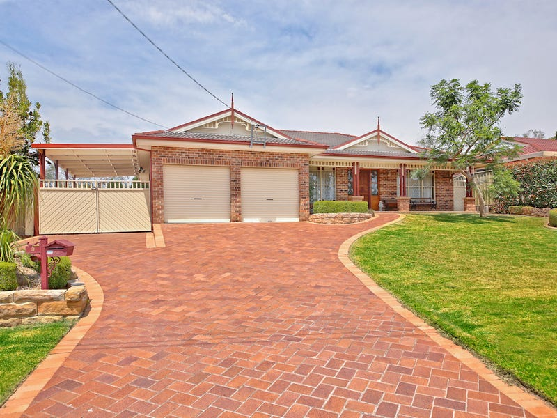 9 Casuarina Close, The Oaks, NSW 2570