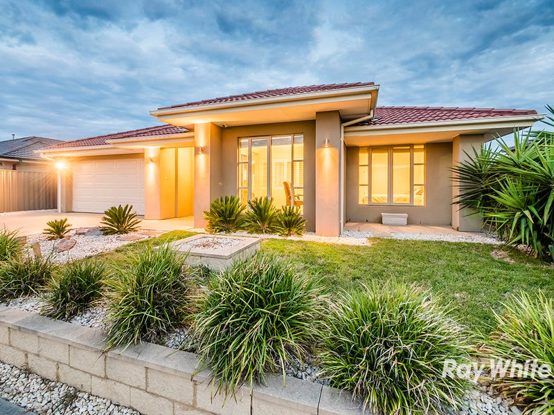 29 Bowyer Avenue, Cranbourne East