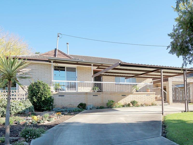 98 Meadow Street, Kooringal, NSW 2650