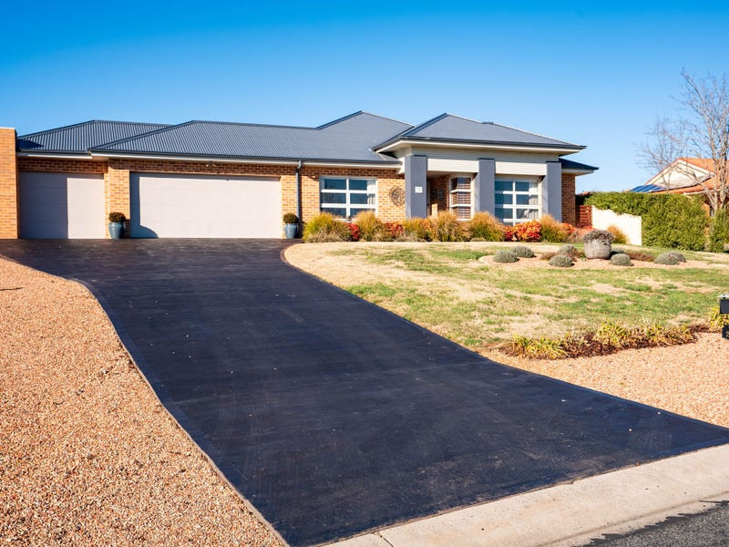 22 Barry Place, Crookwell, NSW 2583