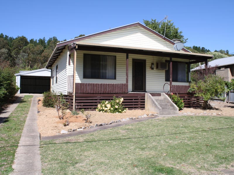 8 Thomas Drive, Mount Burr, SA 5279