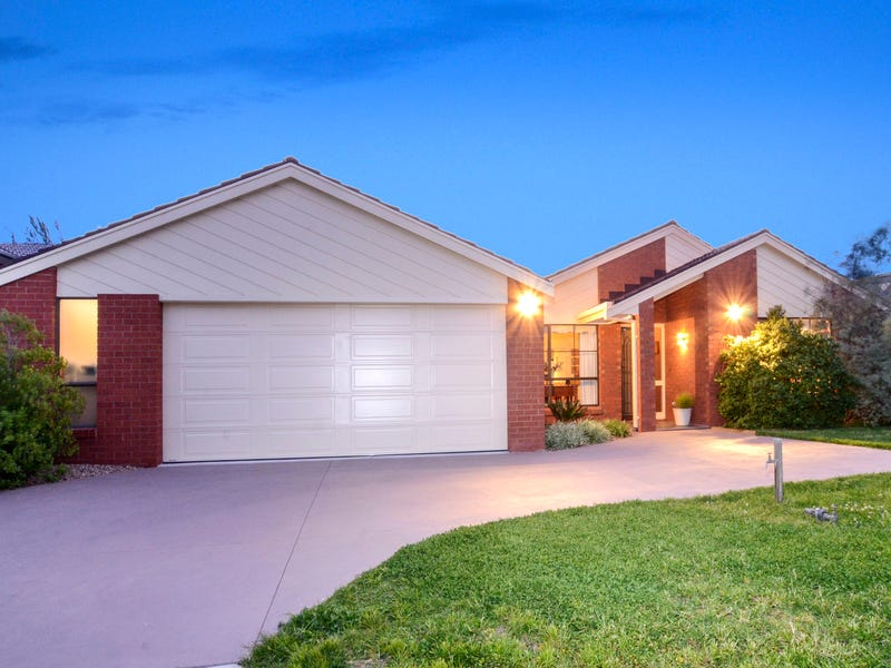 15 Saratoga Crescent, Keilor Downs, Vic 3038
