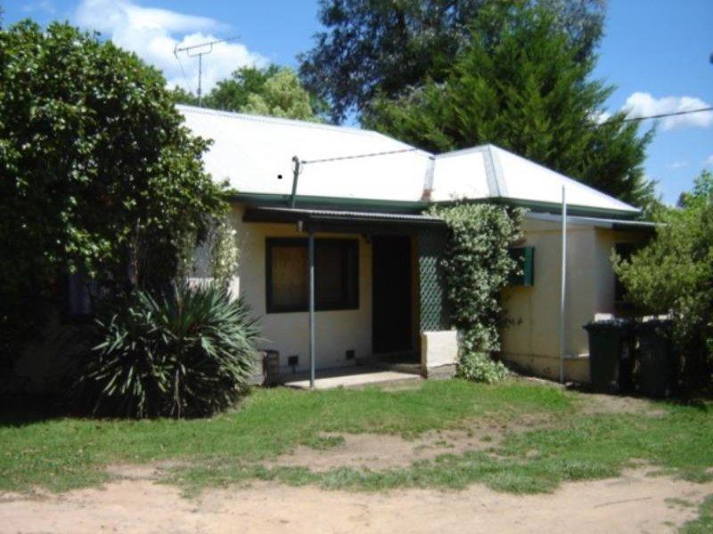 69 Blowering Road, Tumut, NSW 2720