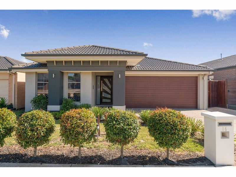 16 City Vista Circuit, Cranbourne West, Vic 3977