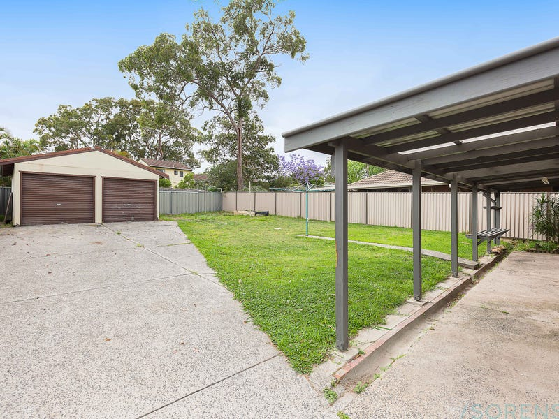 33 Campbell Parade, Mannering Park