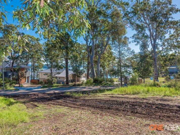 34 Lake Point Way, Murrays Beach, NSW 2281