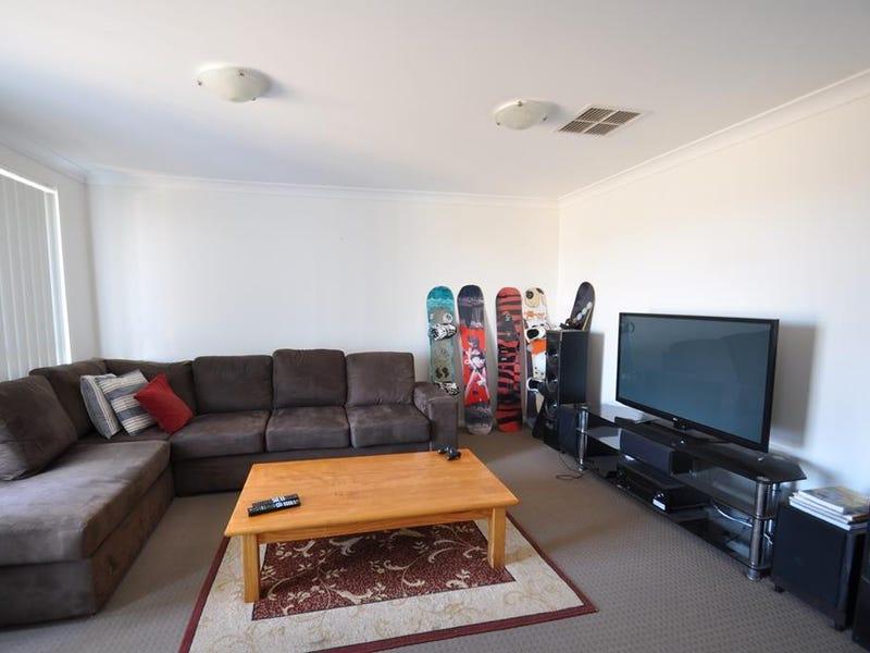 32 Dalbeattie Crescent, Dubbo, NSW 2830