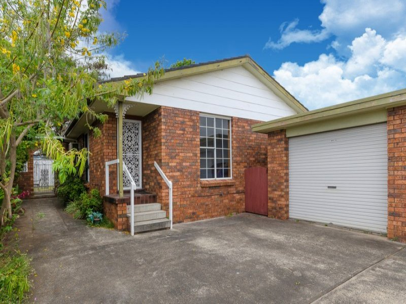 2/104 The Boulevard, Oak Flats, NSW 2529