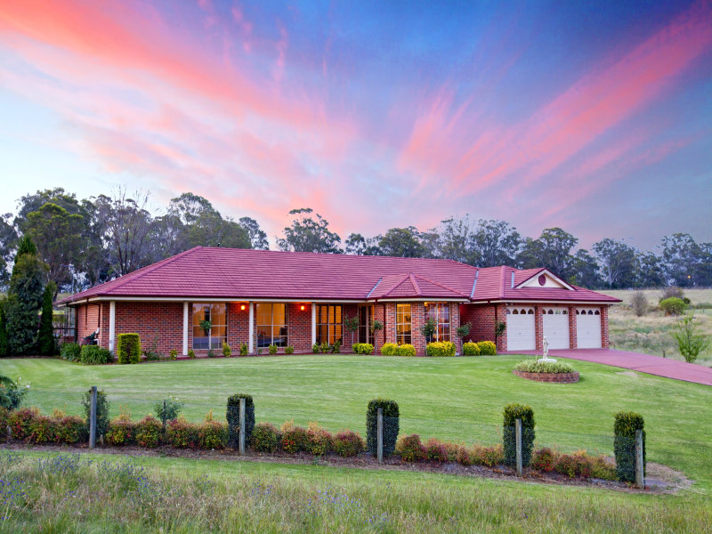 1 The Outlook, Kirkham, NSW 2570