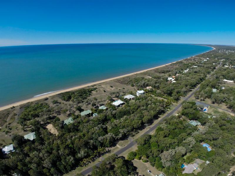 35 Palm View Drive, Moore Park Beach