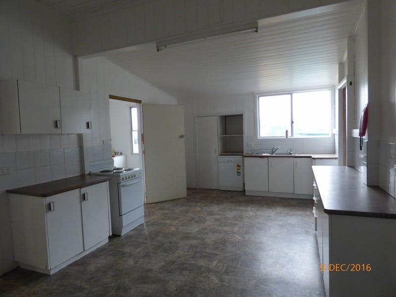 14 Cook Street, Yuleba, Qld 4427