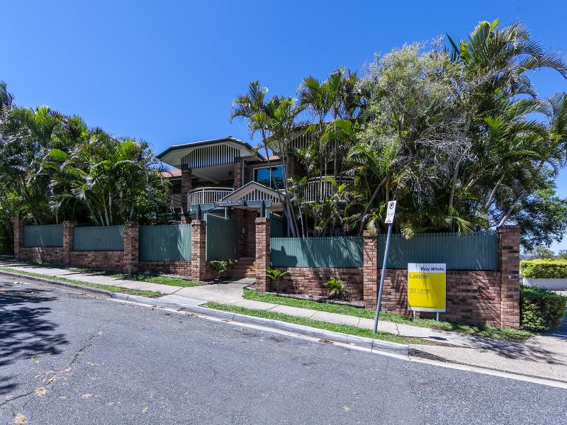 6/110 Musgrave Road, Red Hill