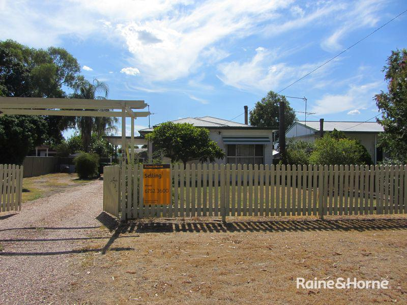 389 Boston Street, Moree, NSW 2400