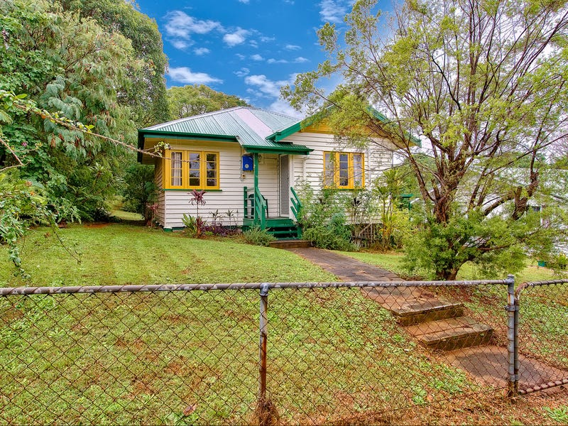 44 Dorrigo Street, Stafford Heights, Qld 4053