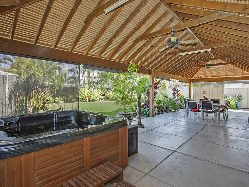8 Kingfisher Crescent, Burleigh Waters, Qld 4220