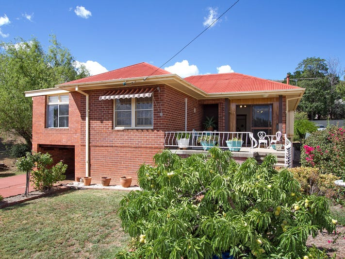 120 RAWSON AVENUE, Tamworth, NSW 2340
