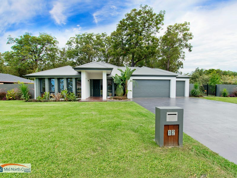 12 Fishermans Way, Lake Cathie, NSW 2445