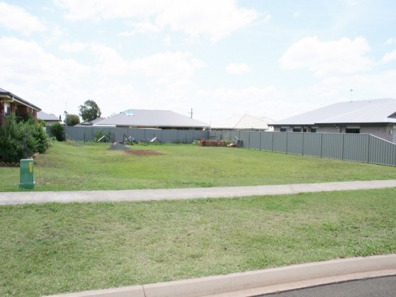 47 Berghofer Drive, Oakey, Qld 4401