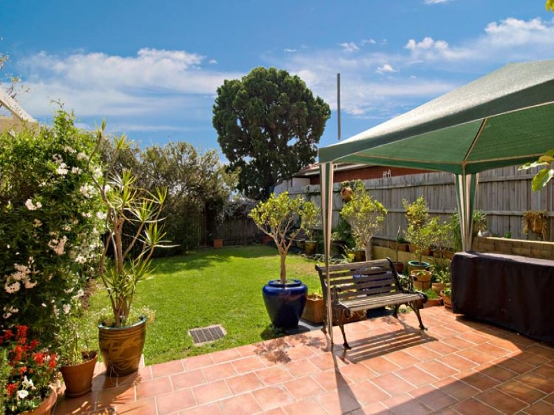 31 Holmesdale Rd, Marrickville, NSW 2204