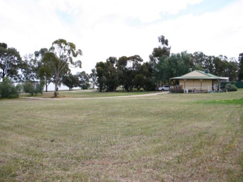 431 Lakeside Drive, Lake Boga, Vic 3584