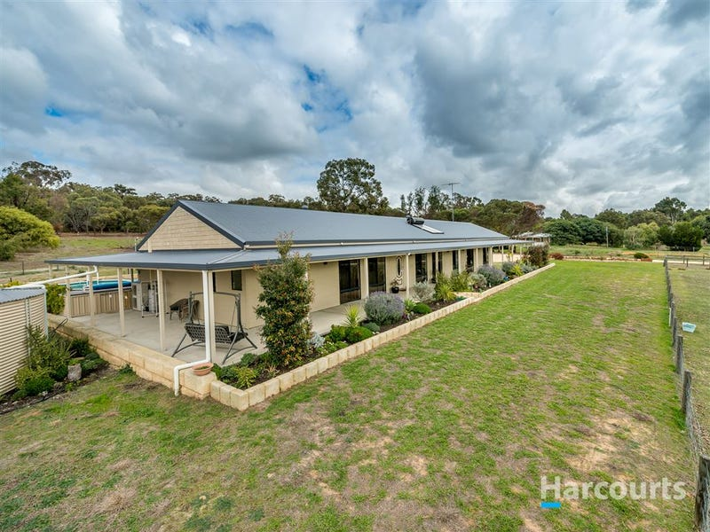 88 Devon Way, Lower Chittering
