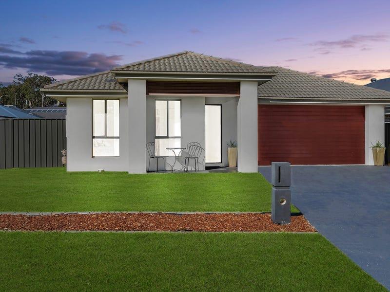 23 Stanhope Crescent, Wadalba, NSW 2259