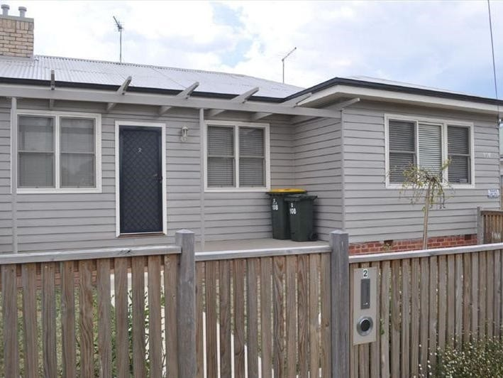 2/108 York Street, Ballarat East